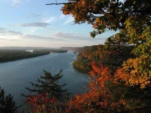 (Upper Mississippi River image by the NPS)