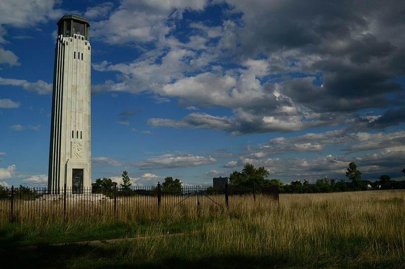 (Livingstone Lighthouse on Belle Isle)