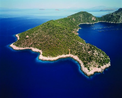 (Oxia Image Courtesy of Vladi Private Islands)
