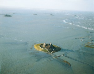 Halligen Islands at High Tide - Photo Courtesy of Klett-Interaktiv.de