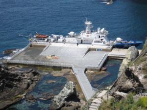 ROK gunboat docking at Dokdo